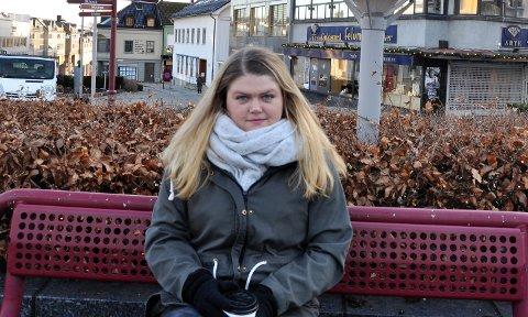 SER ETTER LIKESINNEDE: Malin Othilie Aareskjold.