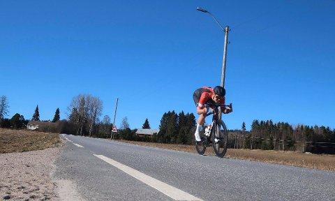IVRIG: Morten Flobakk er sjøl en ivrig syklist. Lørdag blir det avslutning for årets Strava-cup i Elverum. Foto: Privat