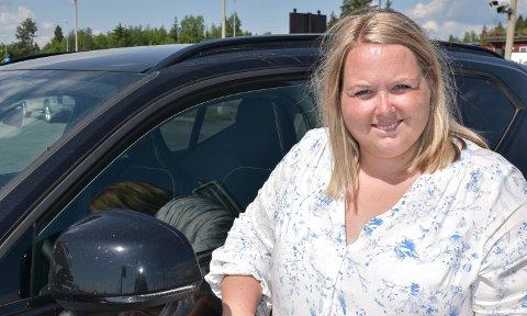 KREVER SVAR: Løten-ordfører Marte Larsen Tønseth liker dårlig at kommunen stadig settes på sidelinja i bompengesaken.