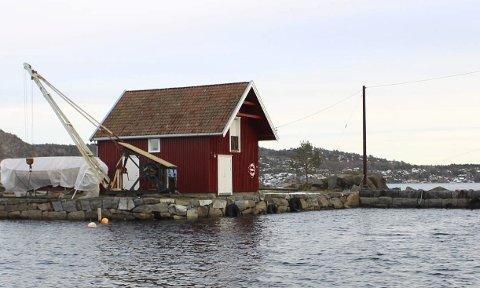 SELGES: Kystverket skal avhende fiskerihavna på Lille Arøya.