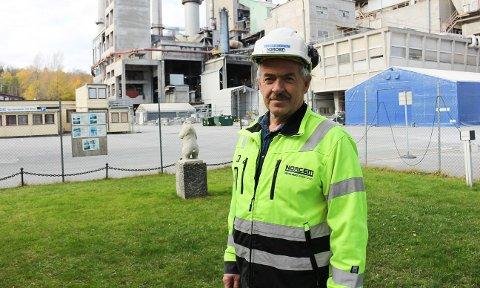 NORCEM: Fabrikksjef Per Ole Morken hadde allmøte fredag.