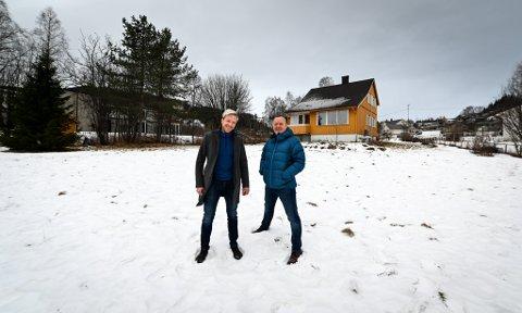 Momek Invest og Zar Eiendom, her representert ved henholdsvis Bjørn Audun Risøy (t.v.) og Roger Ditlefsen, samarbeider om boligprosjekt.
