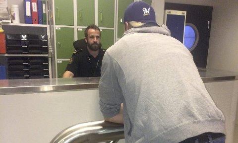 Aksjonerte: Sivilkledd politi jobbet intenst i to dager og slo til mot en rekke personer og adresser i kampen mot uønsket narkobruk og salg. foto: Politiet