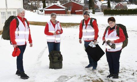 Fornøyde: Sentrale personer i Røde Kors i Nordre Ringsaker kan nå utstyre medlemmene i beredskapsgruppene med enda bedre utstyr. Fra venstre: Ingeborg Mæhlum, May Ljungqvist, Sven Arne Sylling og Marit Storlien Bedjaoui