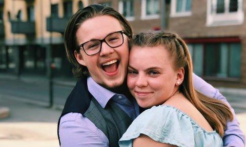 JUBILANT: – Kjæresten min, Therese (20), er smart og valgte å reise hjem fra langreise før det ble for sent. Da blir det nok en Australia-tur på oss sammen, sier Jakob Syversen Granum.