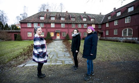 Vil kjempe for å eie eller leie blaker skanse: Jane Bråthen (t.v.), Kari-Anne Hoel og Hege Andresen i Sørum Sp mener kommunen må beholde Blaker skanse. FOTO: LISBETH LUND ANDRESEN