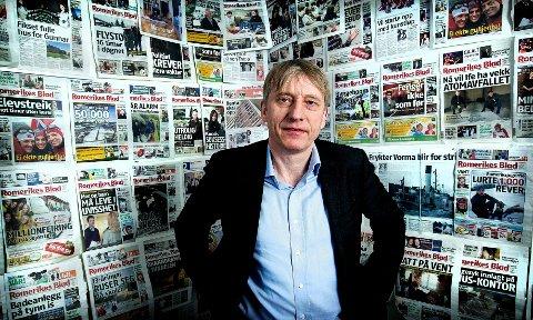 ØKER PÅ MOBIL: ansvarlig redaktør i Romerikes Blad Magne Storedal gleder seg over at stadig flere nå også leser avisen på mobil.