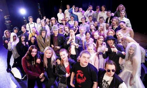 Fest: Musikk, dans og drama ved Jessheim videregående skole inviterer til fest i kulturhuset tirsdag kveld. Foto: Øyvind Mo Larsen