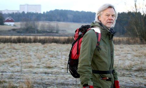 NEGATIV TIL PLANENE: Martin Bjerke (SV), her fotografert i Elveparken, sier nei til omfattende inngrep innenfor markagrensa i Haneborgåsen. Foto: Torstein Davidsen