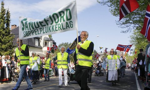 KAN FÅ MER Å FEIRE: Flaggene kommer til å vaie hvis Sandefjord søppelplukerlag stikker av med «Gullklypa».