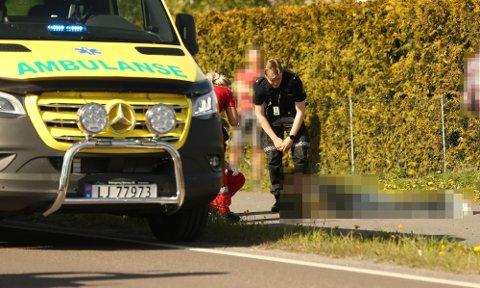 BLE BITT: En kvinne ble fraktet til sykehus for ytterligere sjekk, melder politiet.