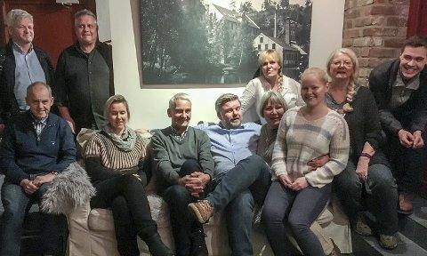 OMDØMME: Deltakere i utvalget som var samlet til møte i Smia i Fossekleiva mandag kveld.