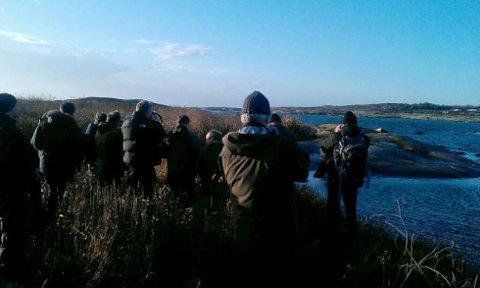 Siden torsdag kveld har fuglekikkere fra hele landet funnet veien til den sjeldne fuglen på Rakke i Larvik