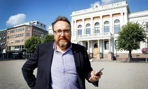 Rådmannen i Skien, Ole Magnus Stensrud beklager uttalelser han kom med i bystyresalen 11. mai.