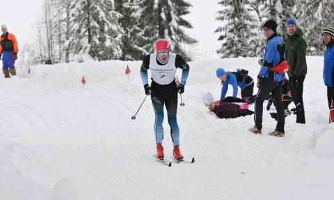OVER: Team Skigo, som blant annet var langløpslaget til Kristoffer Nielsen (bildet), er historie vel to år etter oppstarten. – Vi fikk ikke inn nok sponsorer, så det sa stopp av seg selv. Det var ikke noe mer å rote med, sier teamsjef Jan Bjørn Gare.