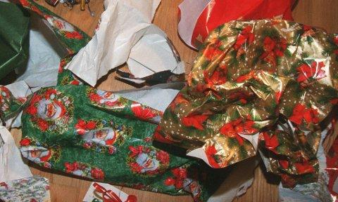 RESTAVFALL: Julepapir er restavfall - ikke papiravfall.