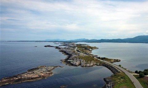 Atlanterhavsveien er av CNN kåret til en av de ti beste veiopplevelsene i verden.