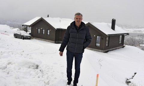UTFORDRENDE BOLIGMARKED: Innflytter Eirik Lothe mener det er flere utfordringer i eiendomsmarkedet i Valdres. Han har gjort seg flere tanker om hva som kan og bør gjøres.