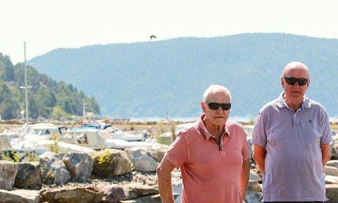 Gir seg ikke: Øivind Stenbek (t.v.) og Tor Henrik Vestnes gir ikke opp kampen mot det de mener er urettmessig ilagt skatt på båthavna. Alle foto: Staale Reier Guttormsen