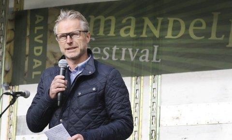 ÅPNINGSTALE: Regiondirektør NHO Åge Skinstad åpner årets Mandelpotetfestival.