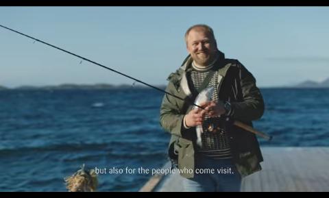 NRK Nordland-journalisten Ole-Christian Olsen var med i reklamefilmen til TINE