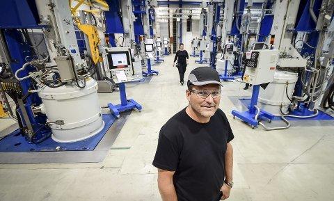 Vellykket utvidelse: Norwegian Crystals nye fabrikksjef, Cato Lund, har klokkertro på at ingotfabrikken skal klare å levere plusstall i løpet av året.Alle foto: Johan Votvik