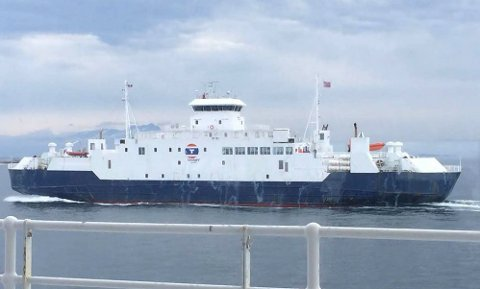 MF Tranøy trafikkerer Vestfjorden om sommeren, og er i følge rederiet ikke dimensjonert med like mange surrefester for trailere som fergene som trafikkerer sambandet hele året igjennom. Arkivfoto