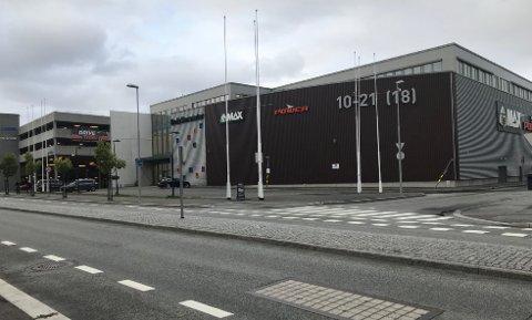 Bodø Storsenter har et areal på 15000 kvadratmeter og det ble åpnet i desember 2012. Det er Bodøhuset Eiendom AS som eier Bodø Storsenter.