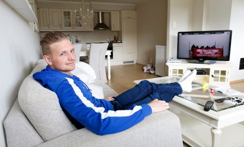 Hjemme er Erik Huseklepp avslappet, men det er han neppe når FKH skal møte Brann i Bergen mandag.