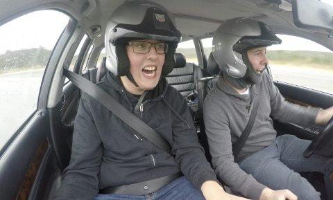 Preben Fjell (til venstre) kommer fra Sotra. Sammen med Dennis Vareide har han skapt et YouTube-hysteri Norge ikke har sett maken til. Nå har de laget film om live sitt.