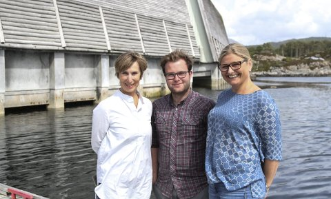 F.v. Berit Høivik, Iver B. Nydal og Jorunn Bjerk på Kystmuseet.