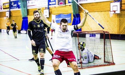 JUBEL: FIBK kunne juble borte mot Harstad. Her jubler kaptein Michael Hemstad i hjemmekampen mot Sandnes.