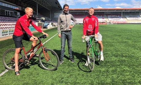 SYKKEL-GJENGEN: Joona Veteli (fra venstre), Lars Petter Brovold og Stian Stray Molde bruker sykkelen fast. Gjør du det samme mot Sola mandag, kommer du gratis inn på kampen.