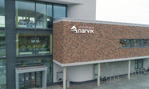 KRYSSER FYLKESGRENSA: Sparebanken Narvik.