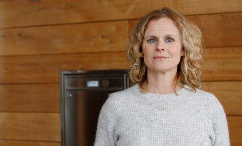 TEST DEG: Kommuneoverlege Elin Jakobsen påpeker at alle med symptomer som kan sammenfalle med covid-19 bør teste seg på Stensarmen.
