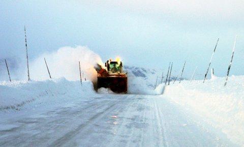 Vegen over Valdresflye er oppbrøytt og dersom værgudane spelar på lag skal den opnast fredag ettermiddag, ein dag før fastsett opningsdato 1. april. Vårt bilde er frå like før jul i 2012.