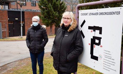VENTELISTE: Tove (t.v.) og Inger Lise Stensletta synes det er merkelig at moren deres står på venteliste når Jevnaker kommune ikke skal ha noen venteliste.