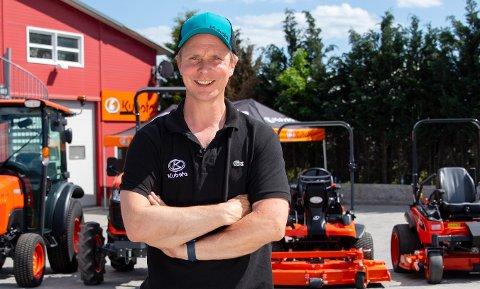 FORTSATT FERSK: – Jeg er fortsatt fersk i faget, og er på ingen måte noen konkurrent til Hadeland maskindrift, sier Petter Pilgaard.