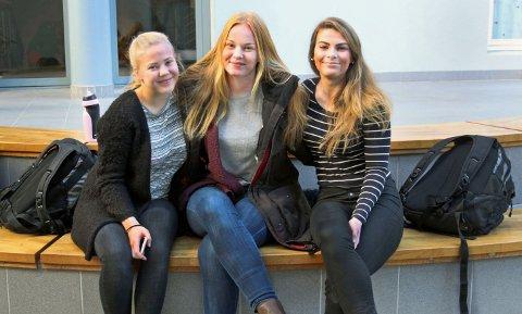 SER FLERE JENTER SLITER: Flere unge jenter sliter med stress og depressive tanker. Elever ved Halden Videregående Skole vil ha mer offentlig hjelp på skolen. Fra venstre: Miriam Rønningen, Mina Sande og Rikke Thomsen