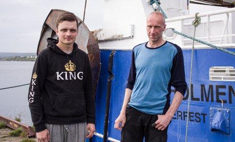 PÅ LAND: Ted Christen Lund og Hannu Kuiri jobber på reketrålen «Gullholmen». Søndag har de vært i land for å reparere utstyr som ble ødelagt av søppel andre dumper i havet.