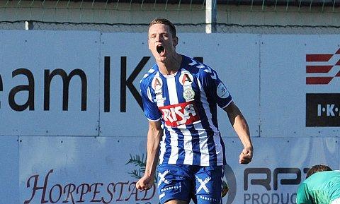 MØTER FRØYLAND: Martin Skeie er toppscorer i 4. divisjon avdeling 1. Blir det mer jubel for Nærbø-spissen på Frøyland stadion fredag kveld? Bildet er fra 2018.