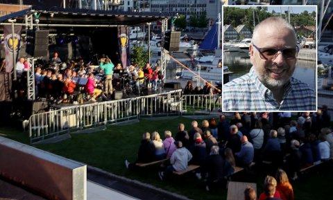 """SPENT PÅ OPPMØTET: Det var bra med publikum da """"nye"""" Holmestrand Brass ble lansert under kulturfestivalen i juni. Foran bacalao-festen lørdag kan styreleder Svein Erik Schulze (innfelt) fortsatt melde om mange ledige billetter."""