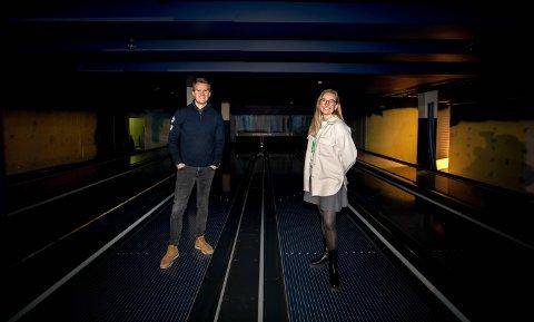 NYTT SAMLINGSSTED: Magnus Solvik og restaurantsjef Katrine Hallenstvedt Lid i PinPin AS er godt i gang med å bygge blant annet flere barer.