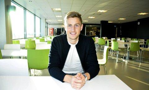 KJEMPER FOR PLASSEN: Thomas Grøgaard kjemper for å overbevise Dag-Eilev Fagermo om at han fortjener venstrebackplassen i Odd når sesongen starter.