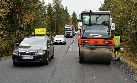 ASFALT: Flere strekninger får ny asfalt i år.