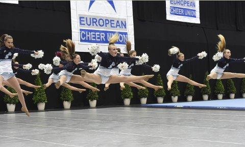 GA ALT: Kongsbergdanserne ga alt på gulvet i EM-arenaen i Wien søndag ettermiddag.foto: ole john Hostvedt