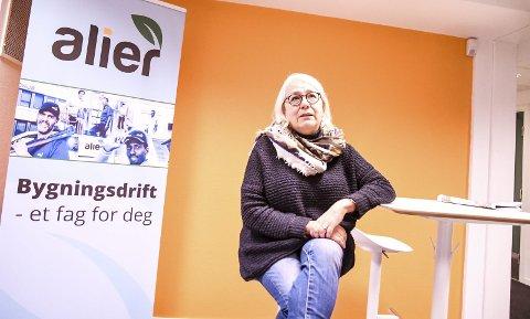 BER OM RO: Daglig leder Astrid Kirkeåsen i Alier AS håper at diskusjonen om selskapets framtid stanser. – Det er slitsom å høre at det stadig diskuteres organisatoriske endringer for selskapet, sier hun.FOTO: PÅL A. NÆSS