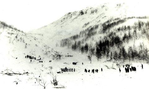 16 omkom: Ulykken i Vassdalen i 1986 krevde livet til 16 unge soldater. Ulykken er beskrevet som den verste for Forsvaret i fredstid. Mange mener at ulykken kunne vært unngått.