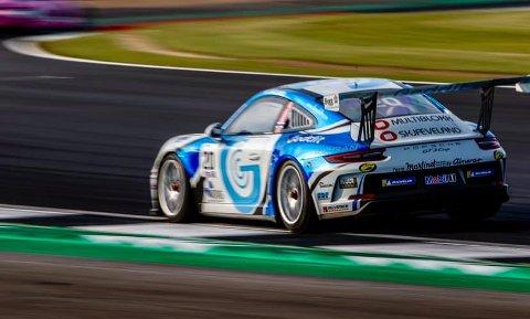 LEDER KLASSEN: Roar Lindland fra Lyngdal tok sin fjerde seier, og leder ProAm-klassen i Porsche Supercup.