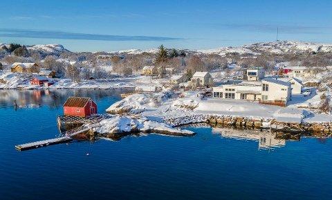 SOLGT: Denne boligen i Engasvegen ble fredag solgt for 8.000.000 kroner. Det er ny prisrekord i Namdalen. Megler Johnny Grønbeck tror ikke det er lenge til at flere boliger blir lagt ut for salg i denne prisklassen i Ytre Namdal.